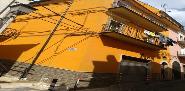 Vendesi in San Marco in Lamis (FG), alla via Corso Giannone