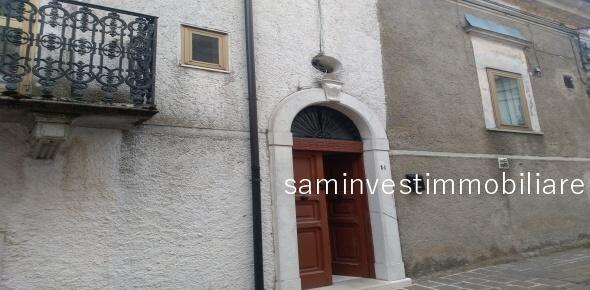 Vendesi in Rignano Garganico (FG) casa tradizionale