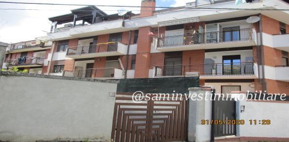 Vendesi in San Marco in Lamis (FG) appartamento nella centralissima via Celano