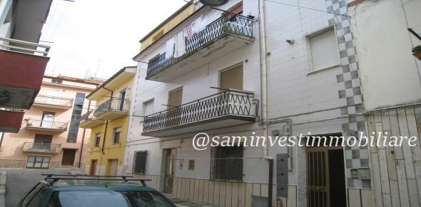 Vendesi in San Marco in Lamis (FG), appartamento centrale