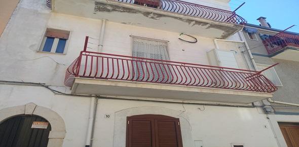 Vendesi in San Marco in Lamis (FG) casa autonoma in una palazzina bifamiliare