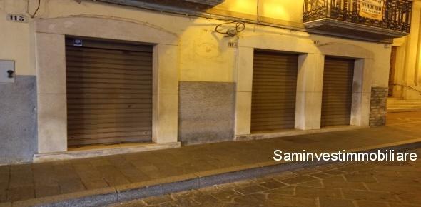 Fittasi in San Marco in Lamis (FG)  locali pianterreni per uso commerciali